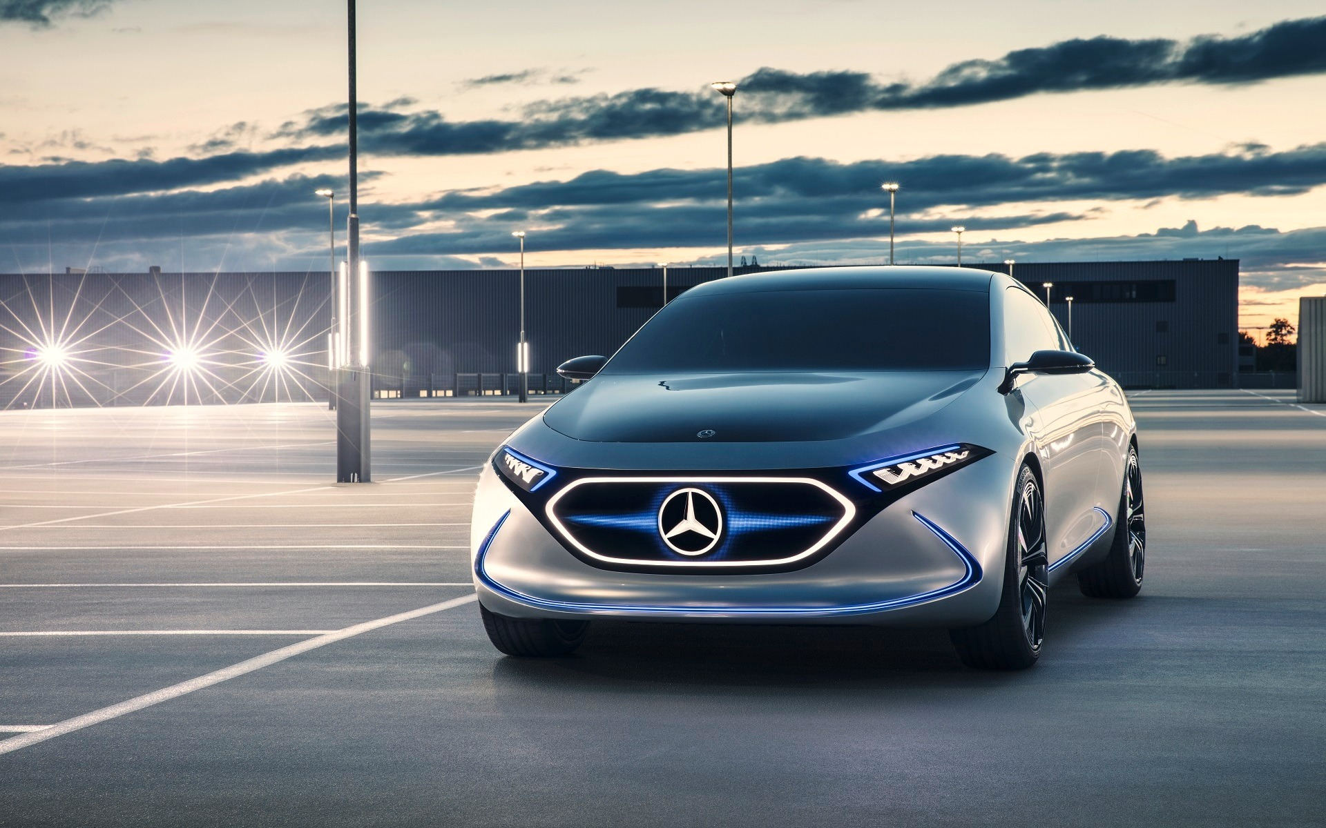 <p>Mercedes-Benz Concept EQA, vue avant</p>