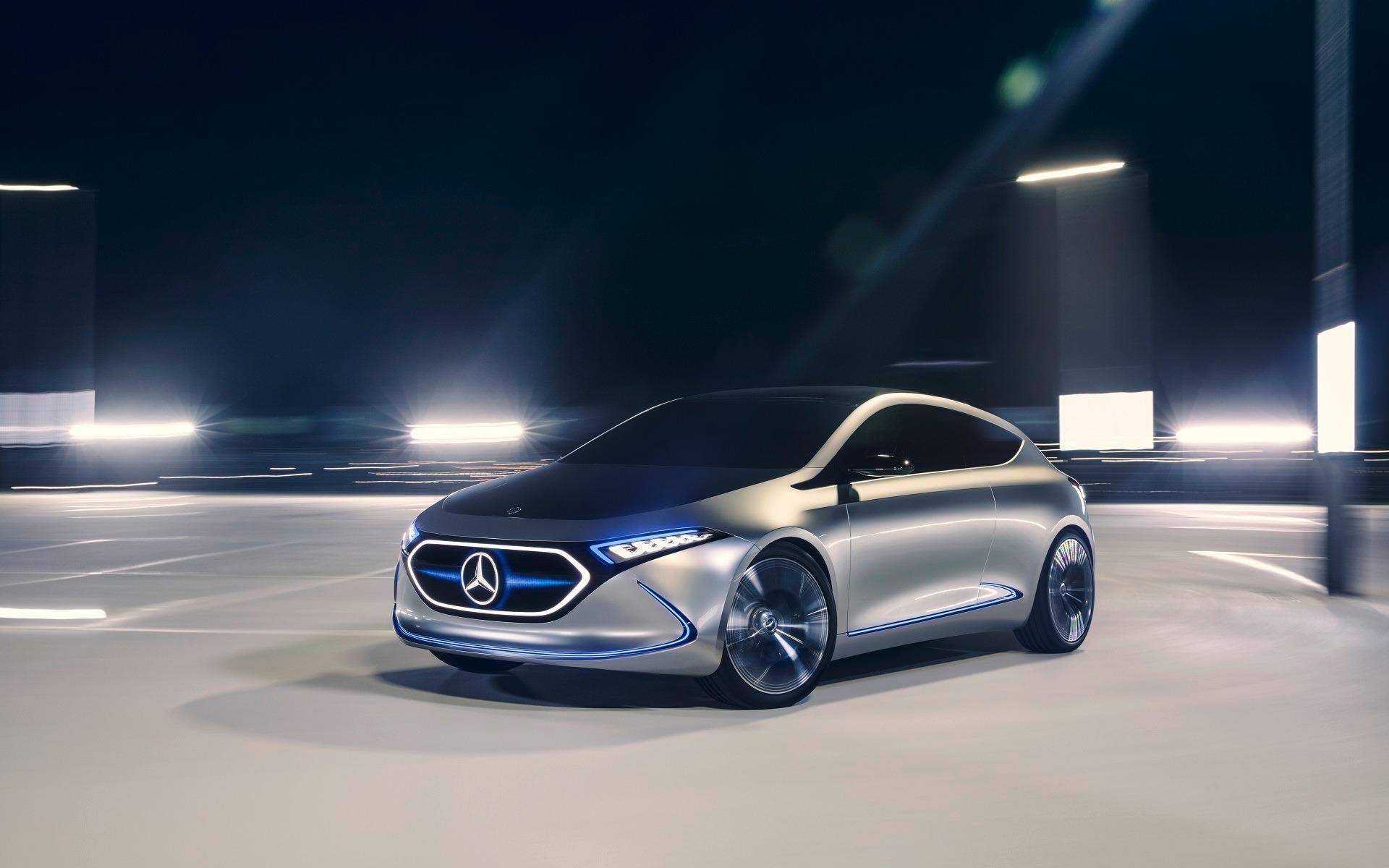 <p>Mercedes-Benz Concept EQA, en action</p>