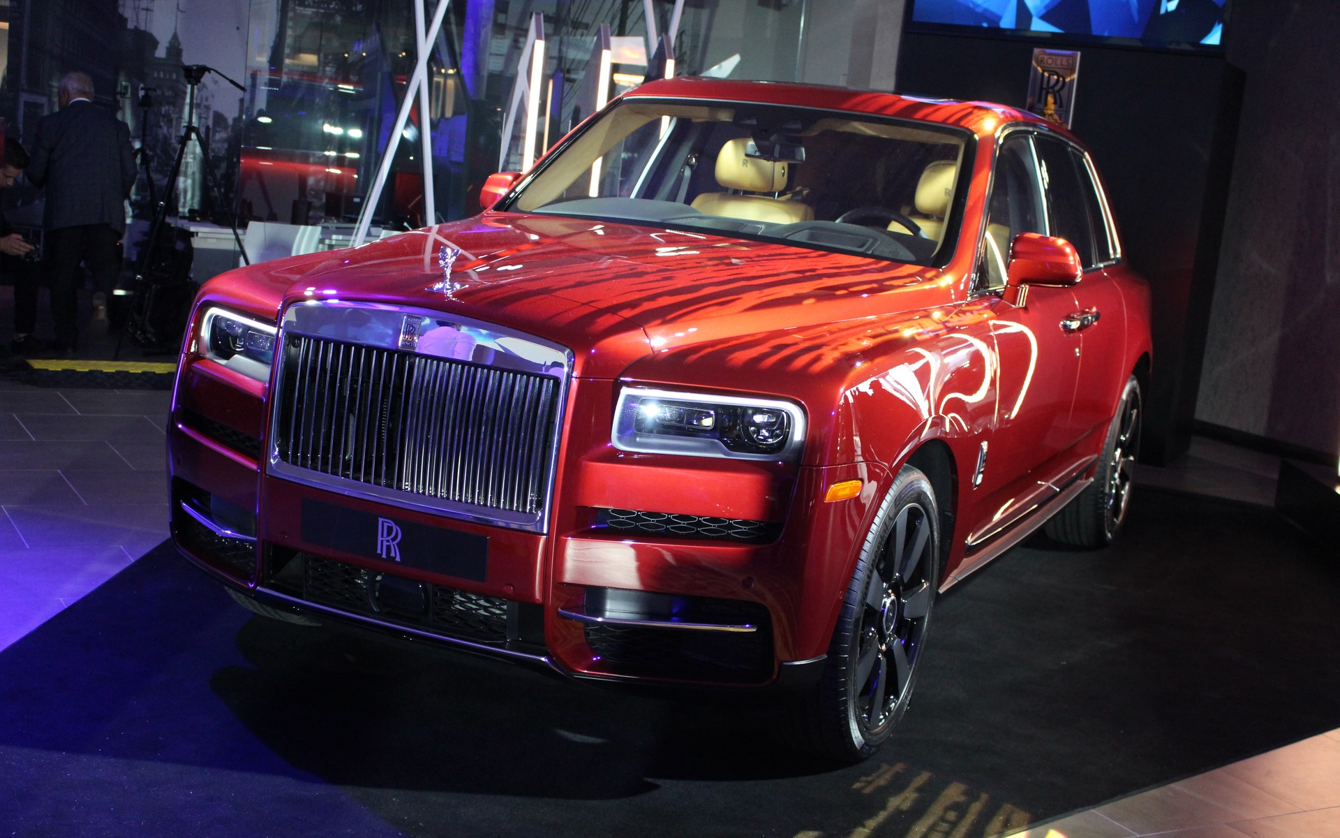 2019 Rolls Royce Cullinan Debuts In Montreal The Car Guide