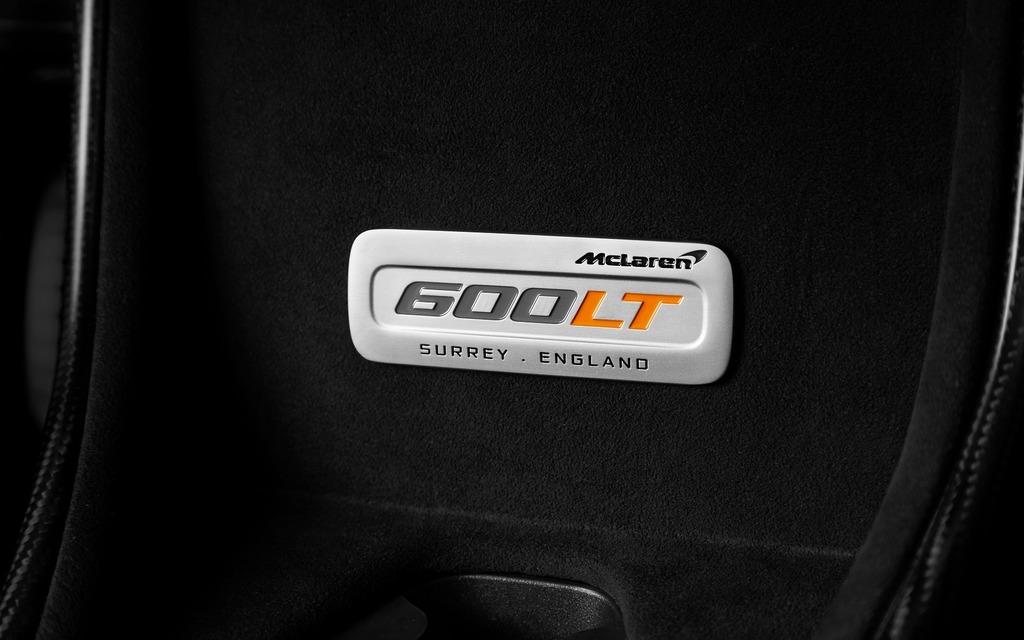 <p>Custom badge in the new 2019 McLaren 600LT</p>