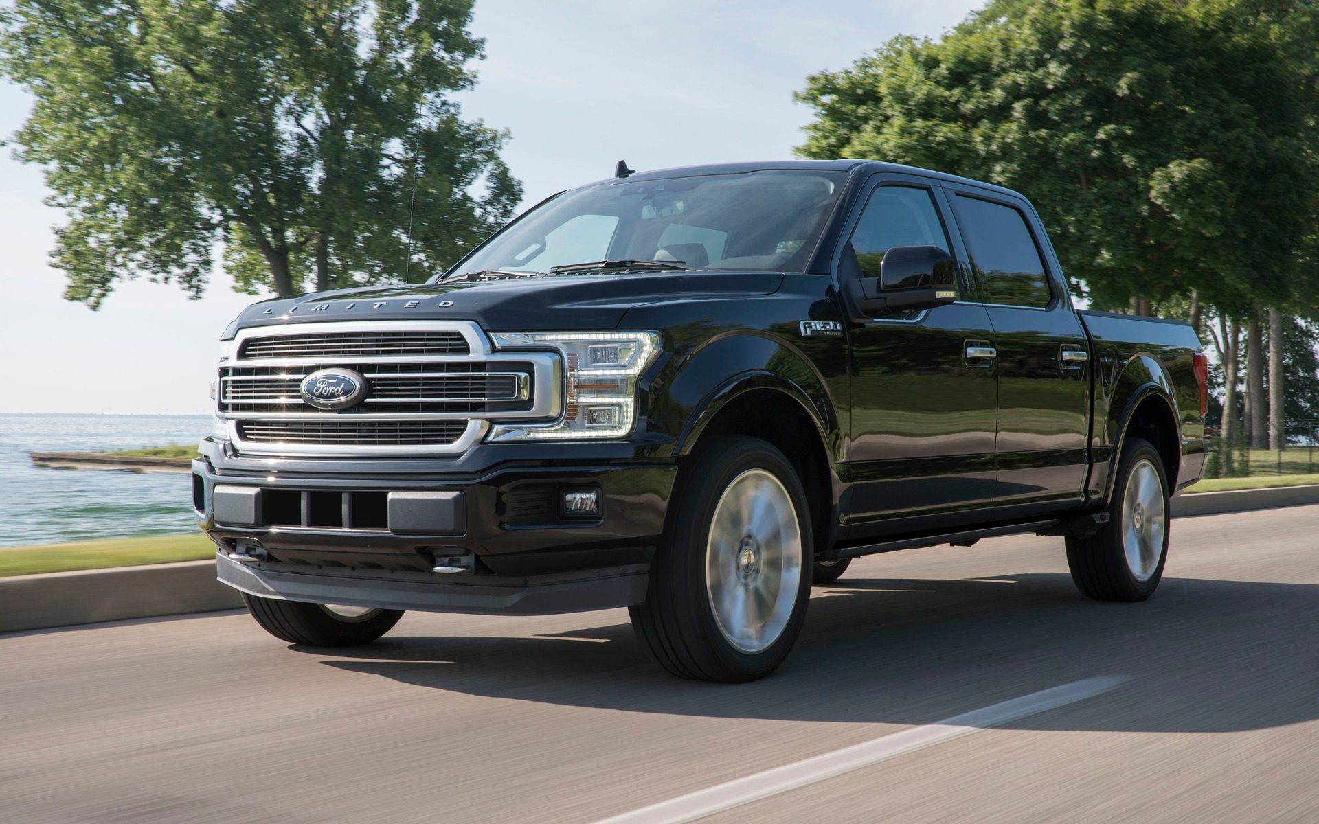 le moteur du raptor atterrit dans le ford f 150 limited 2019 guide auto. Black Bedroom Furniture Sets. Home Design Ideas