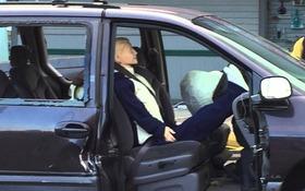 Reposer ses pieds sur le tableau de bord, c'est prudent ou pas? - Guide Auto