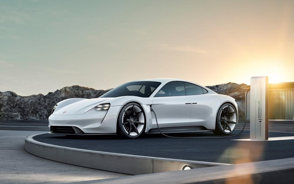 Porsche Mission E, qui deviendra la Taycan 2020