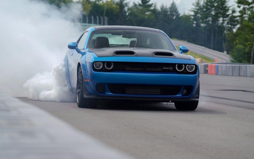 2019 Dodge Challenger Hellcat >> 2019 Dodge Challenger SRT Hellcat Redeye Widebody: Full Blast on the Track - 3/30