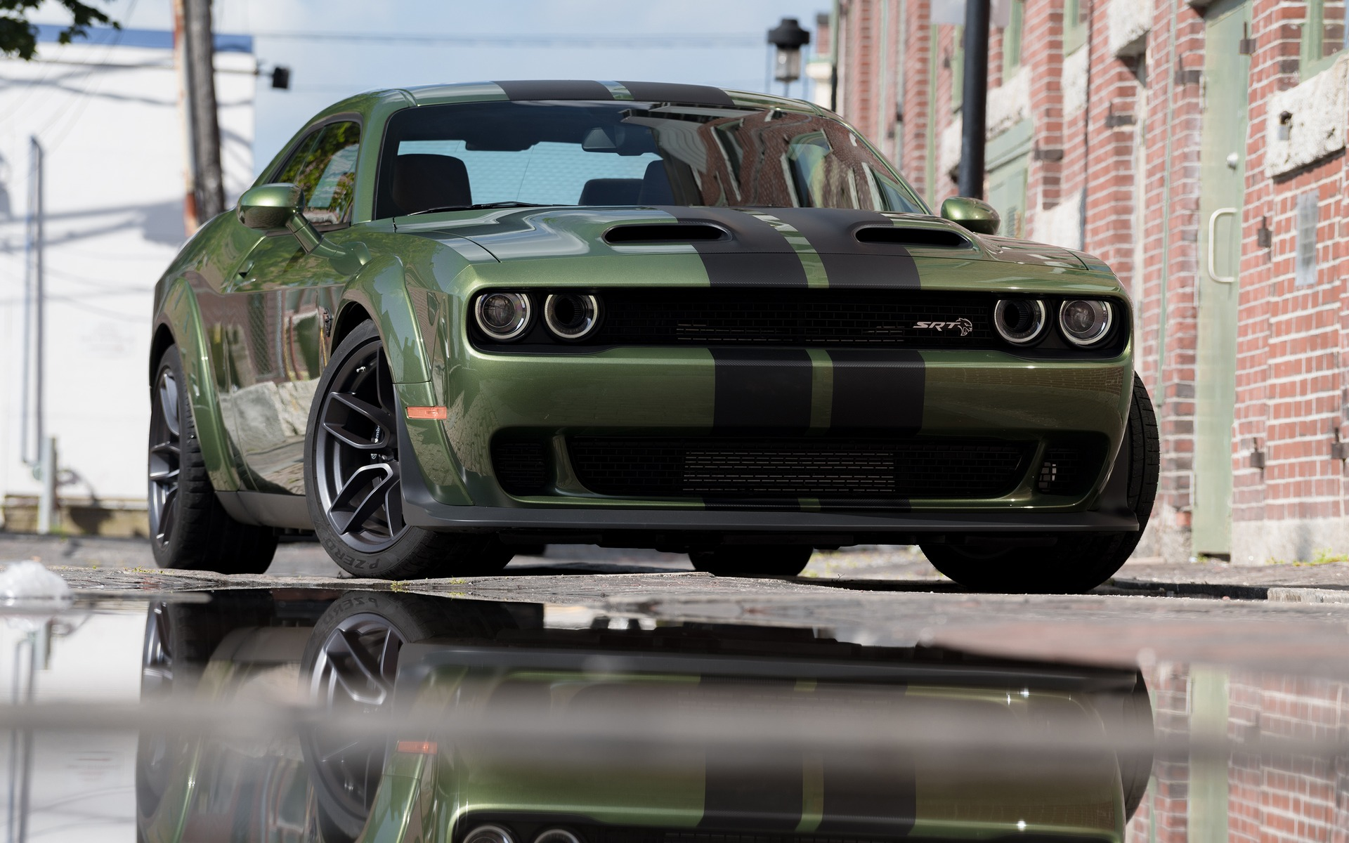 2019 Dodge Challenger Srt Hellcat Redeye Widebody Full Blast On The Track The Car Guide