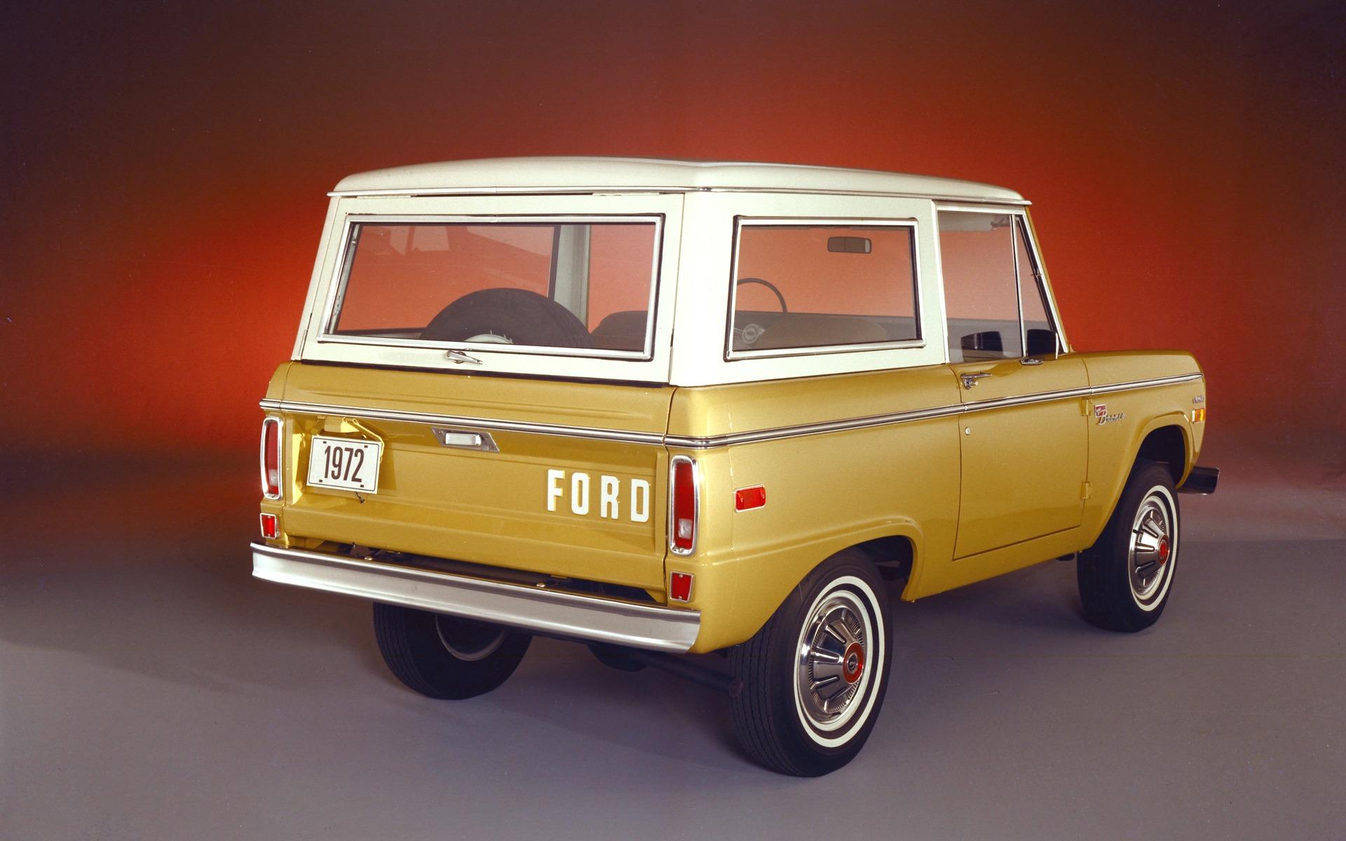 <p>Ford Bronco 1972</p>