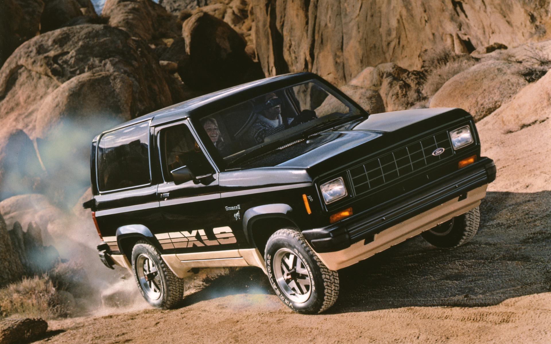 <p>Ford Bronco II XLS 1984</p>