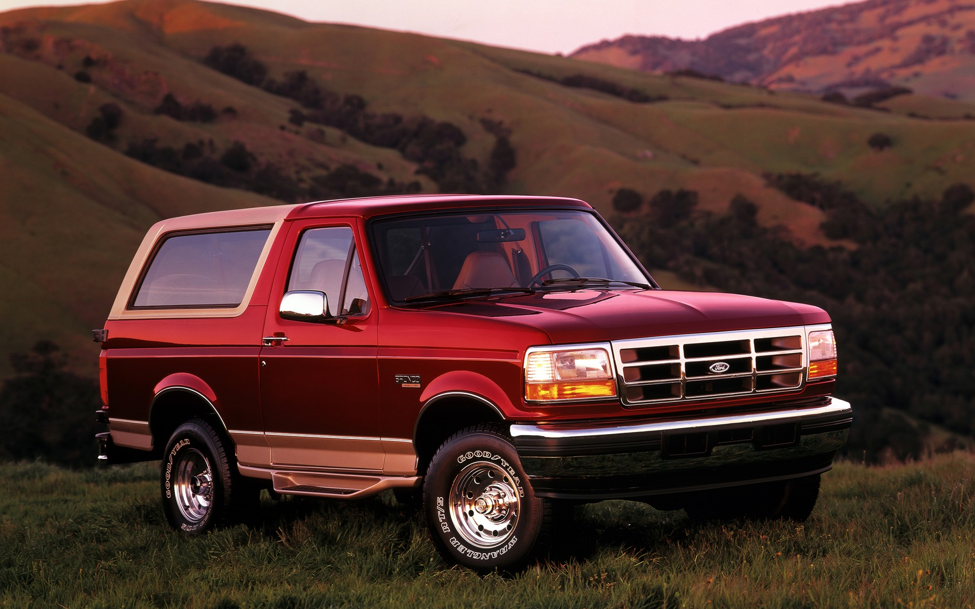 <p>Ford Bronco Eddie Bauer 1996</p>