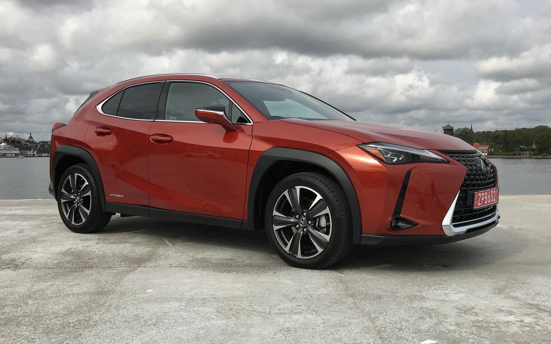 Lexus UX 2019 : tout ce qu'il faut savoir si ce modèle vous intéresse 347000_2019_Lexus_UX