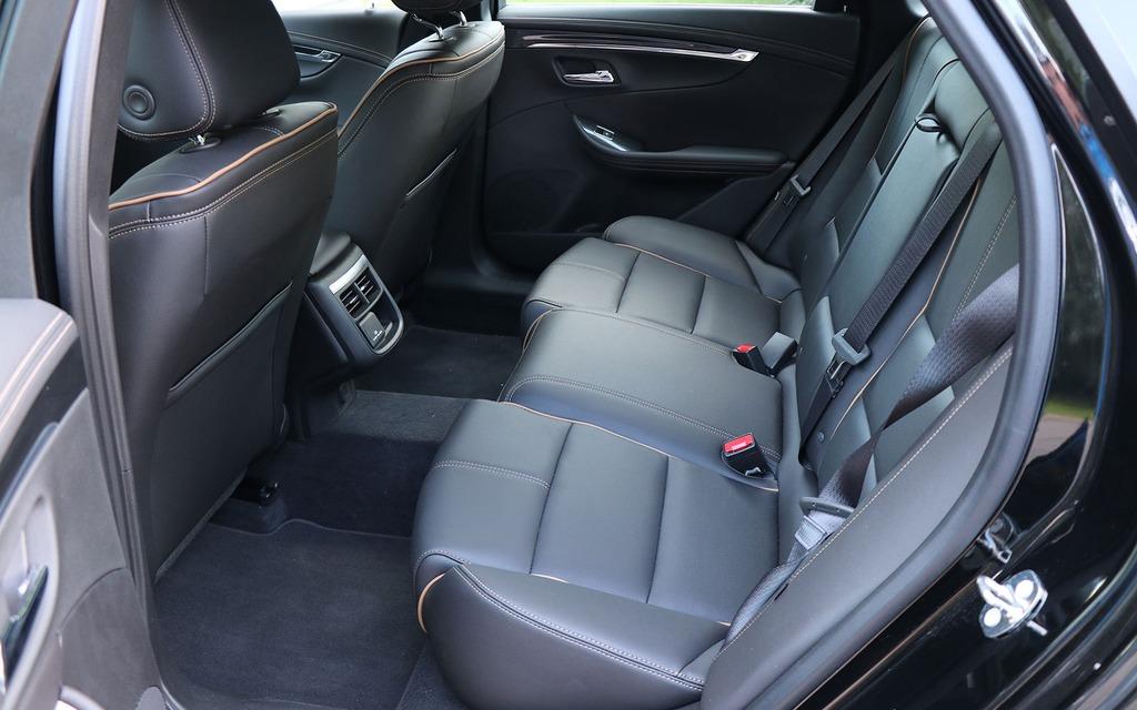 Chevrolet Impala 2018 : tranquille... 348619_Chevrolet_Impala_2018