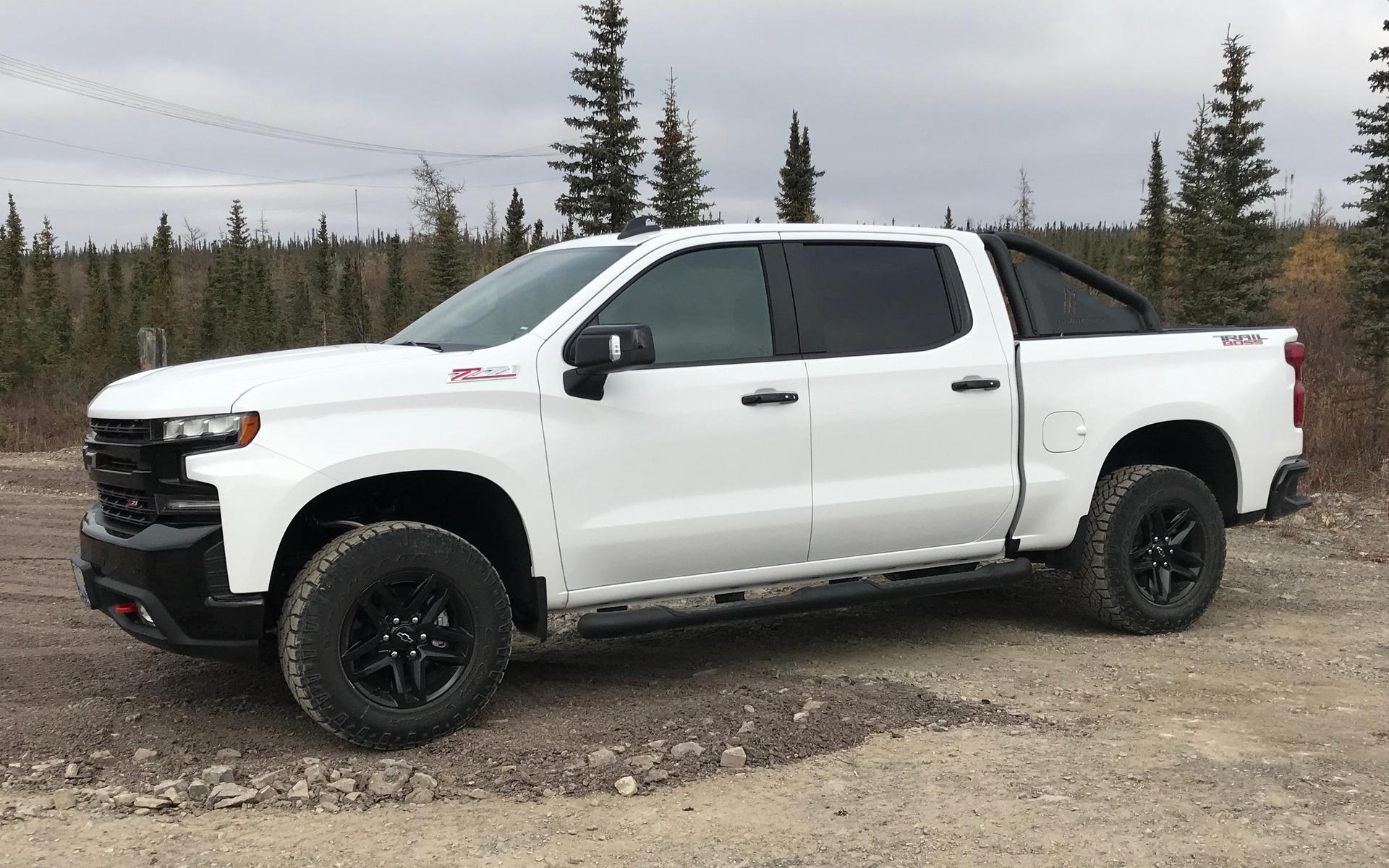Chevrolet Silverado 2019 : fraîchement remanié pour battre Ford et Ram 348852_2019_Chevrolet_Silverado