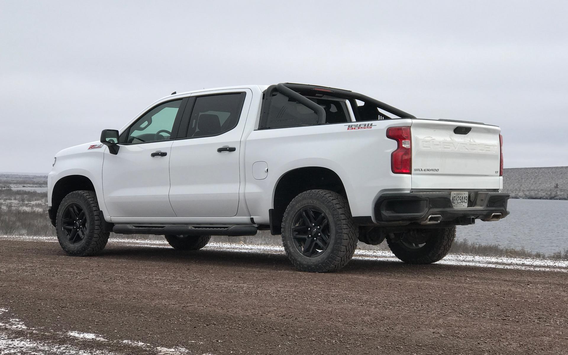 Chevrolet Silverado 2019 : fraîchement remanié pour battre Ford et Ram 348859_2019_Chevrolet_Silverado