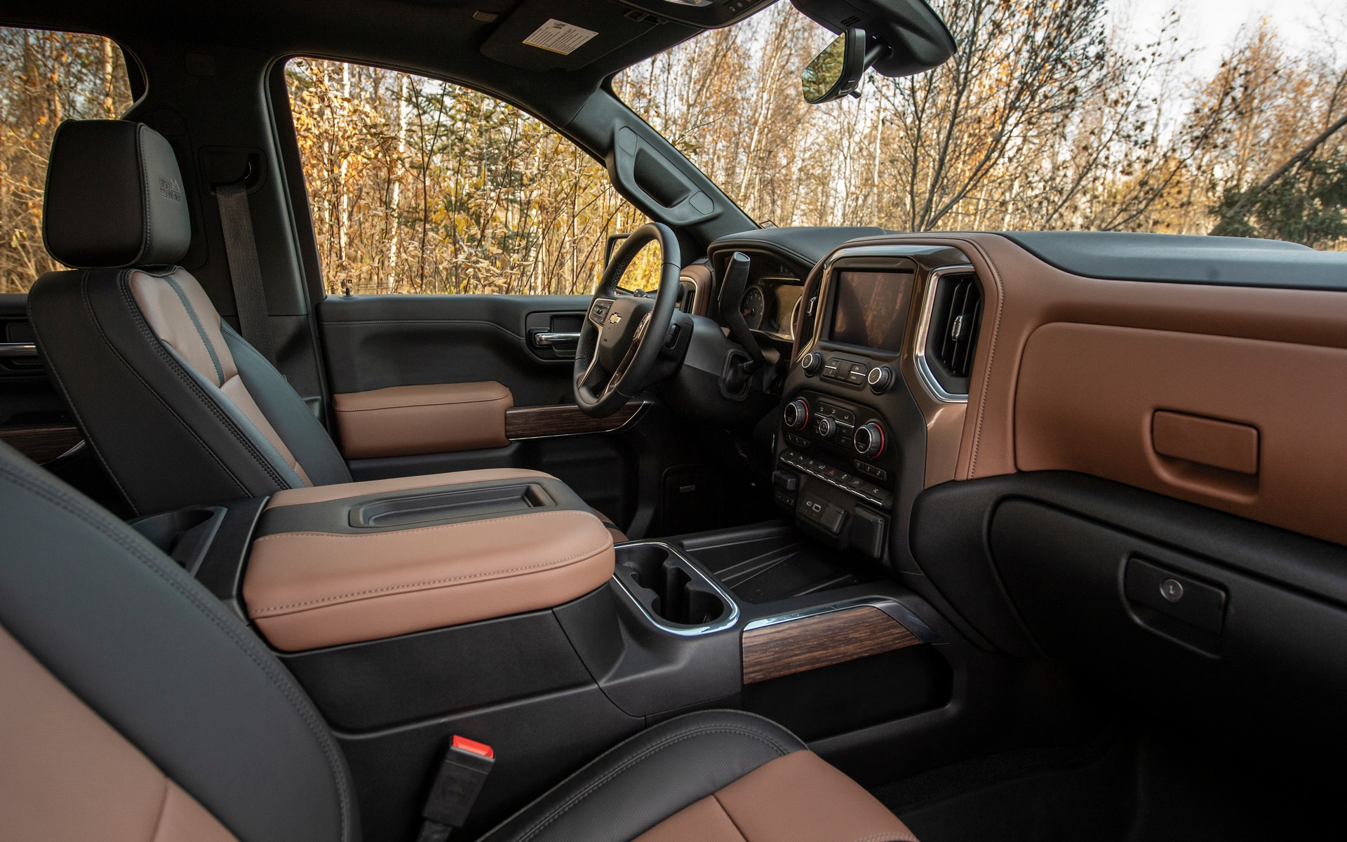 Chevrolet Silverado 2019 : fraîchement remanié pour battre Ford et Ram 349032_2019_Chevrolet_Silverado