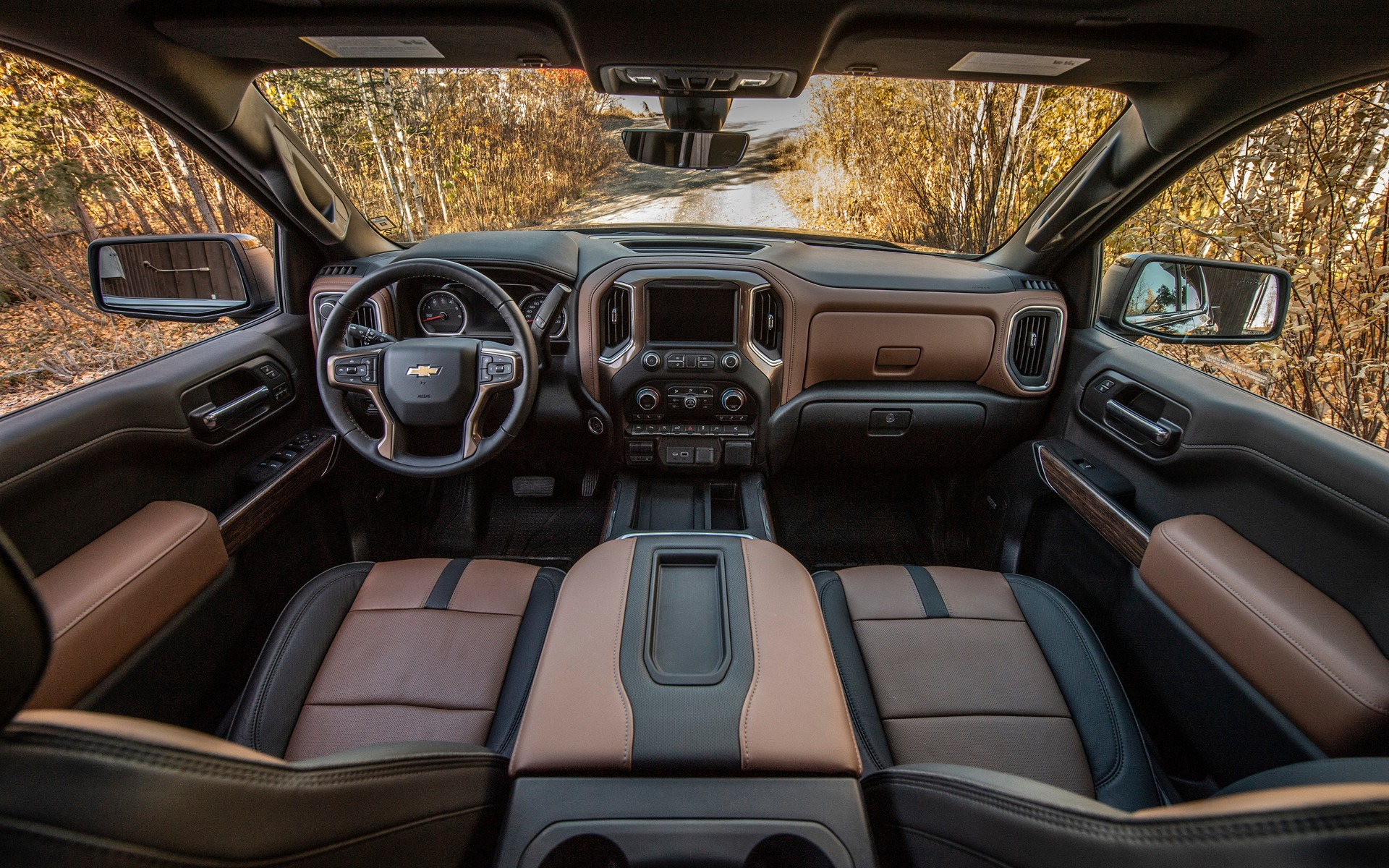 Chevrolet Silverado 2019 : fraîchement remanié pour battre Ford et Ram 349034_2019_Chevrolet_Silverado