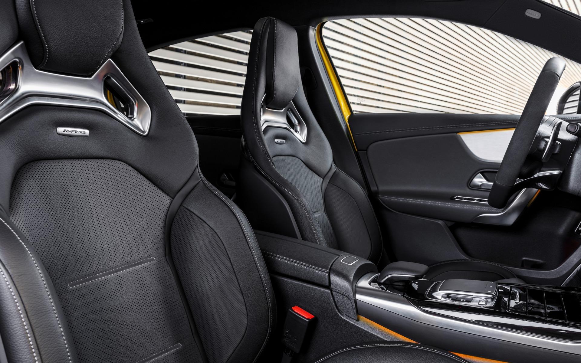 Confirmé : la Mercedes-AMG A 35 sera commercialisée au Canada! 349610_2019_Mercedes-Benz_A-Class
