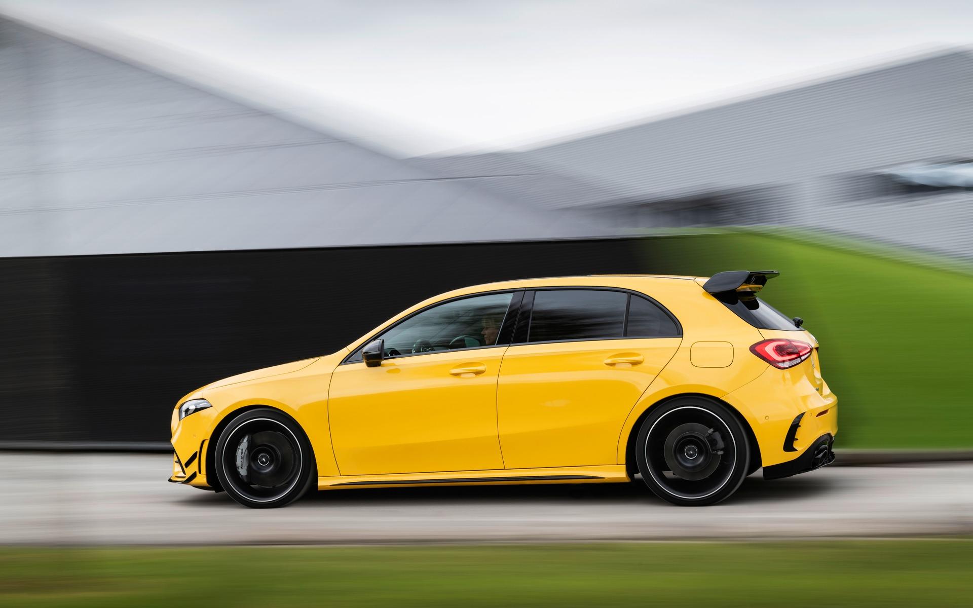 Confirmé : la Mercedes-AMG A 35 sera commercialisée au Canada! 349614_2019_Mercedes-Benz_A-Class