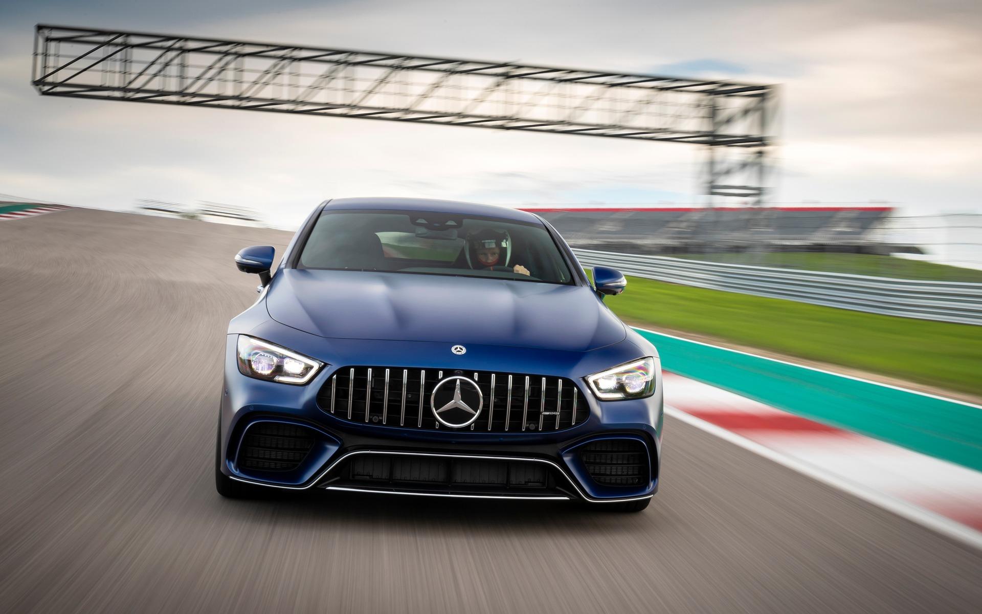 <p>Mercedes-AMG GT 63 S Coup&eacute; 4 portes sur le circuit COTA</p>