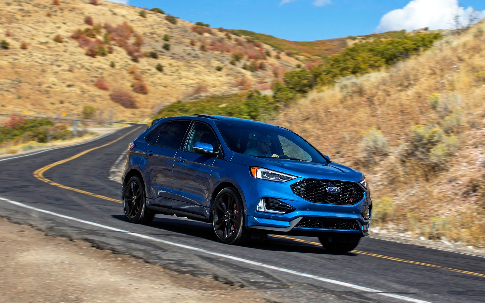 Ford Edge ST 2019 : nous en sommes rendus là 350503_Ford_Edge_ST_2019_quand_le_marketing_prend_la_releve