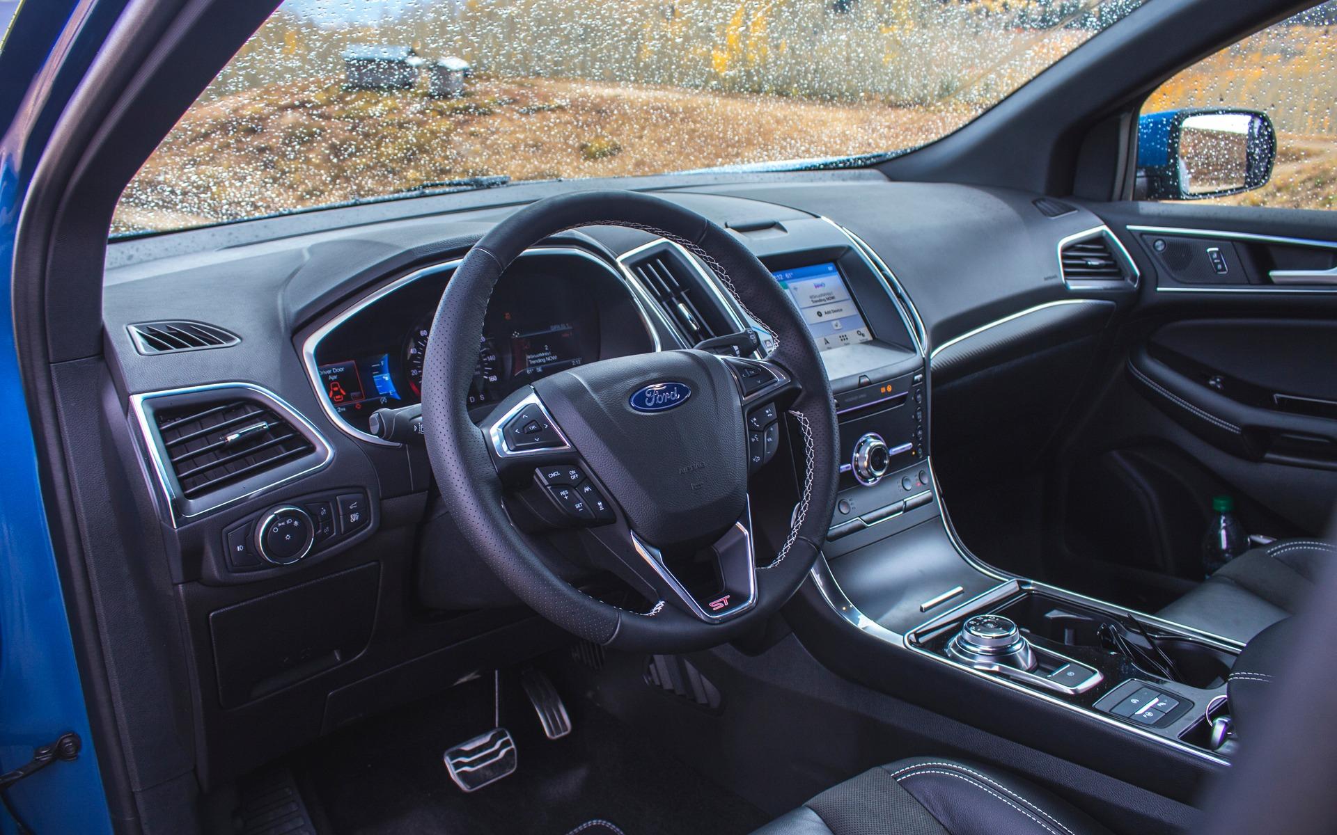 Ford Edge ST 2019 : nous en sommes rendus là 350512_Ford_Edge_ST_2019_quand_le_marketing_prend_la_releve
