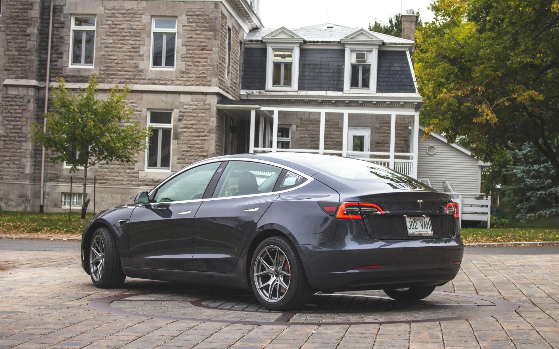 Tesla Model 3 Performance 2018 : doigt d'honneur vers une industrie entière 350879_2018_Tesla_Model_3