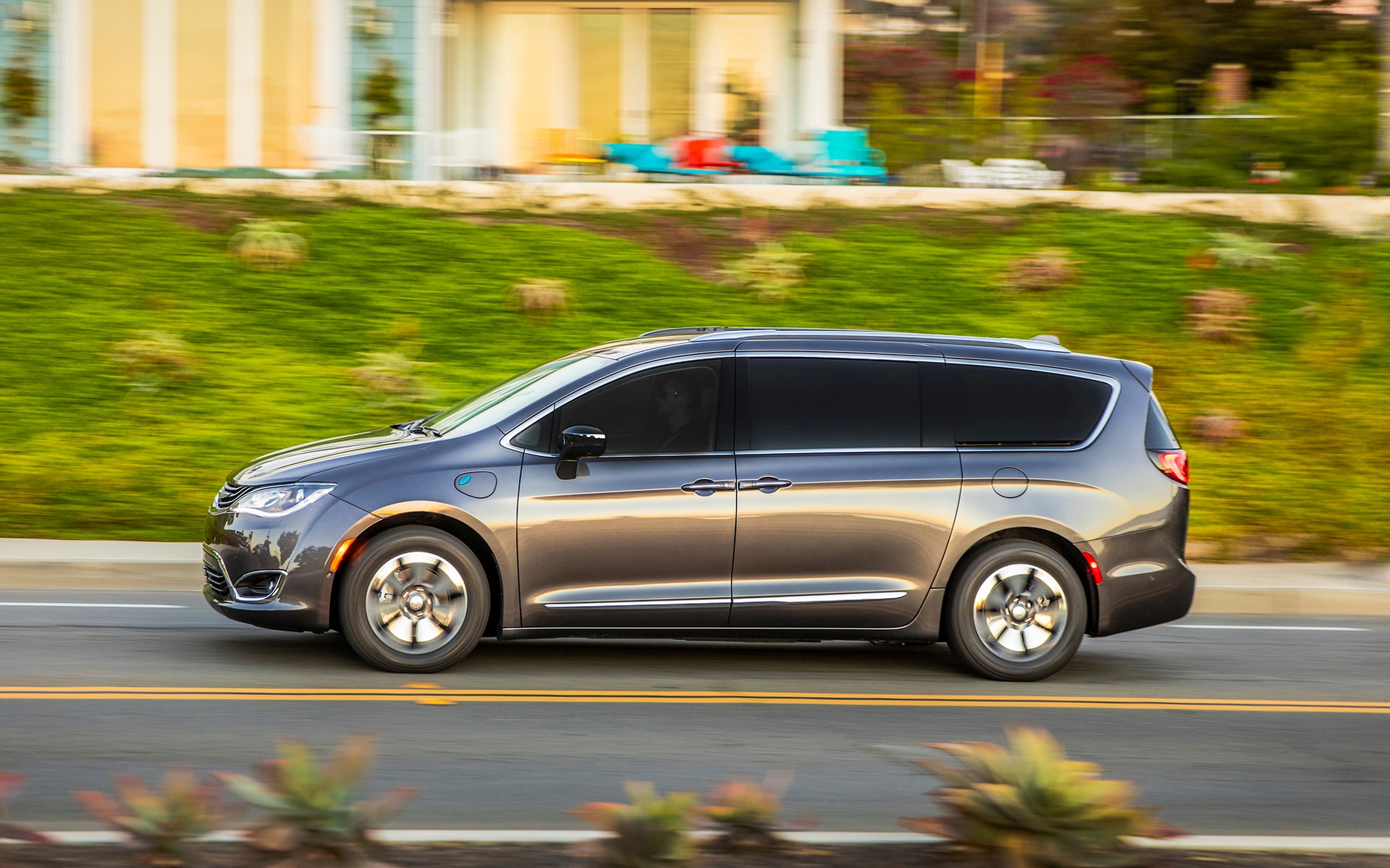Chrysler Pacifica hybride 2019 : la familiale électrique 350964_2019_Chrysler_Pacifica