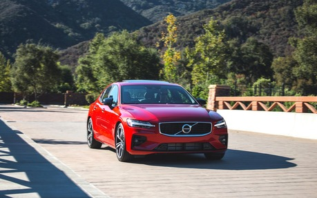 Volvo Sports Car >> 2019 Volvo S60 And V60 Scandinavian Sport The Car Guide