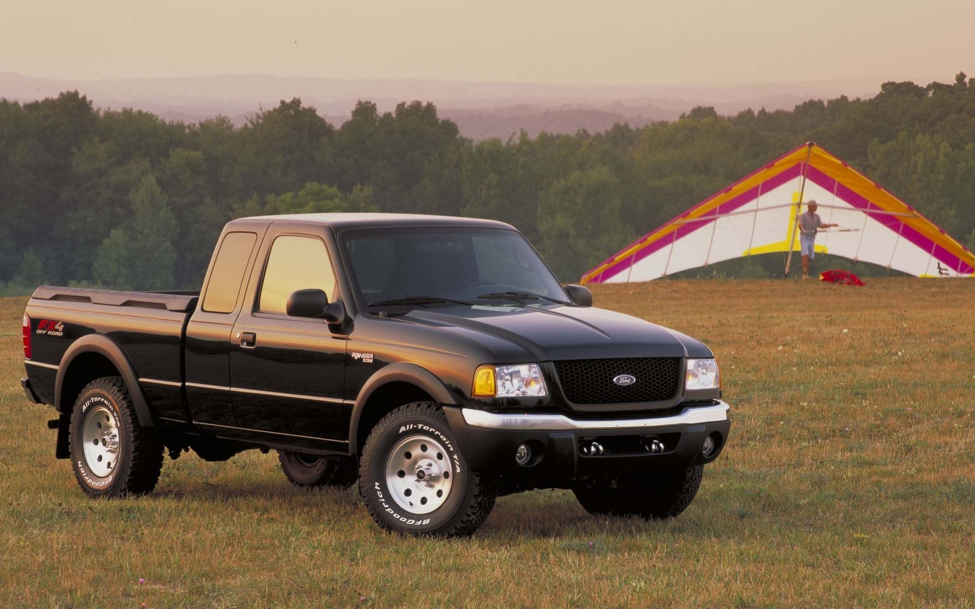 <p>Ford Ranger XLT FX4&nbsp;2002</p>