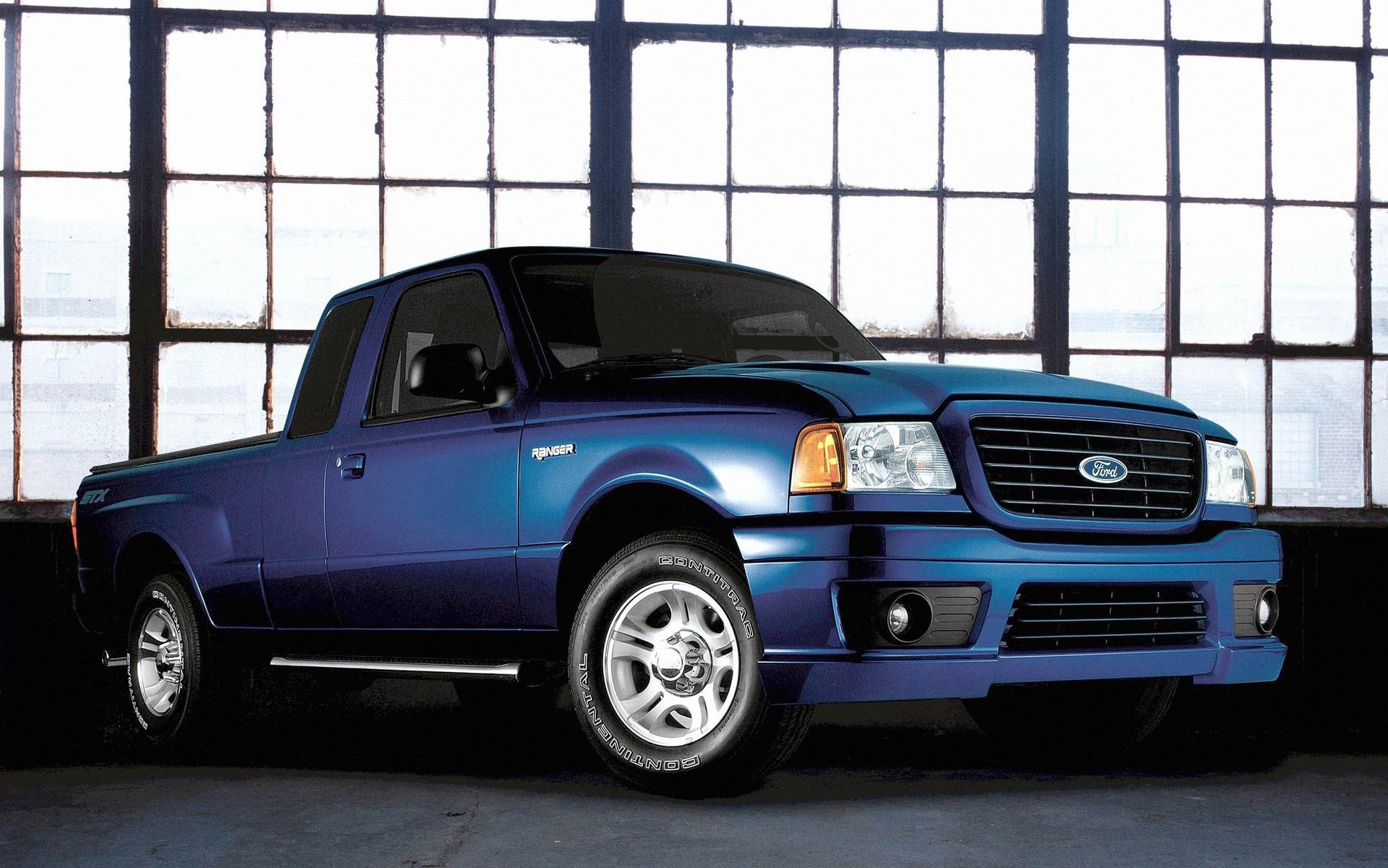<p>Ford Ranger STX 2005</p>