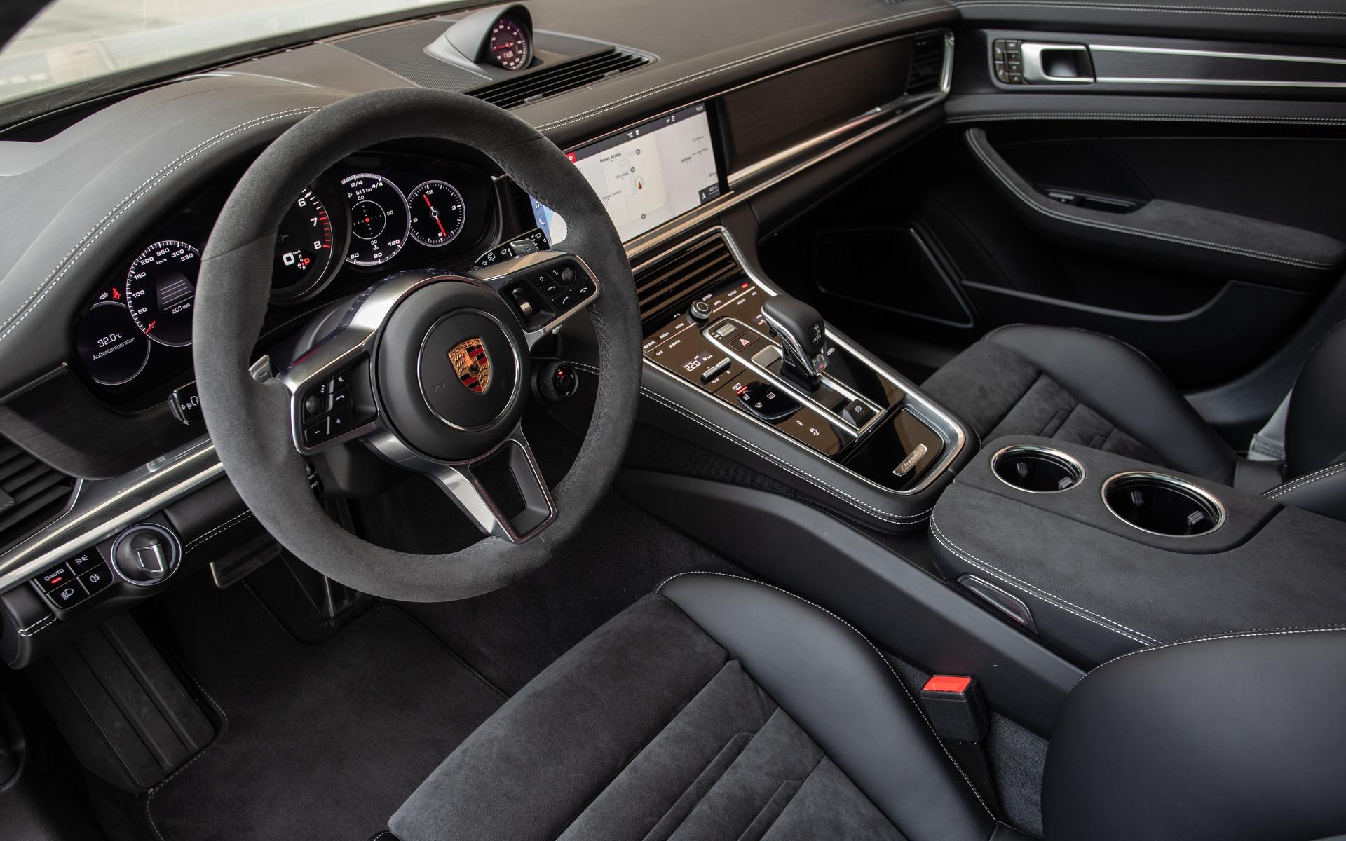 Porsche Panamera GTS 2019 : l'ADN d'une sportive, le luxe en prime 353519_2019_Porsche_Panamera