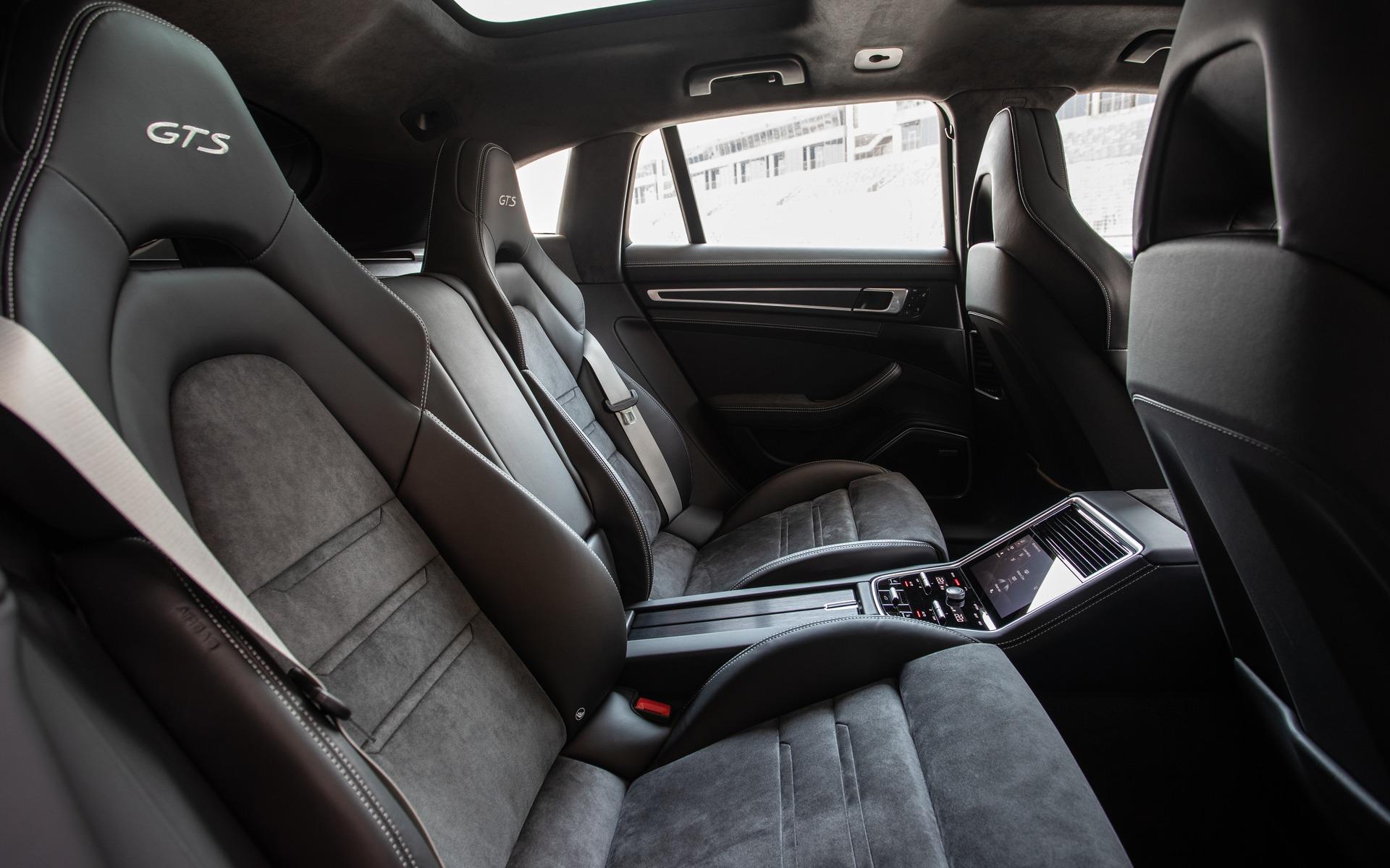 Porsche Panamera GTS 2019 : l'ADN d'une sportive, le luxe en prime 353520_2019_Porsche_Panamera