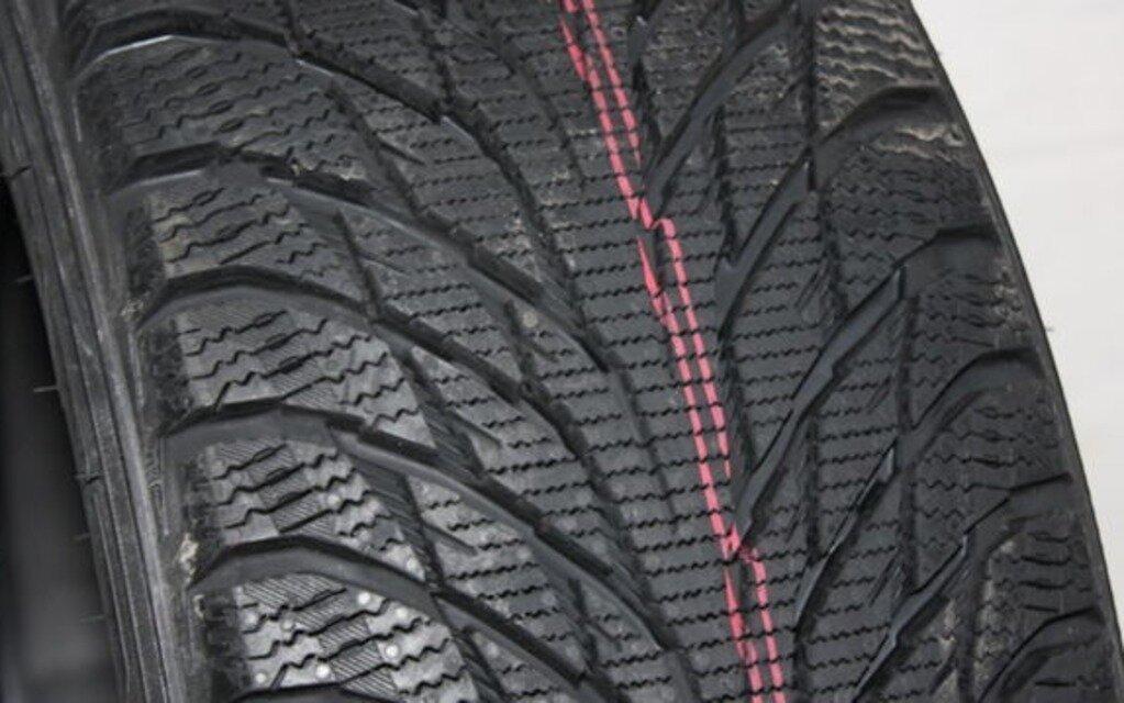 test de pneus d hiver 2015 2016 les grandes marques toujours en t te guide auto. Black Bedroom Furniture Sets. Home Design Ideas