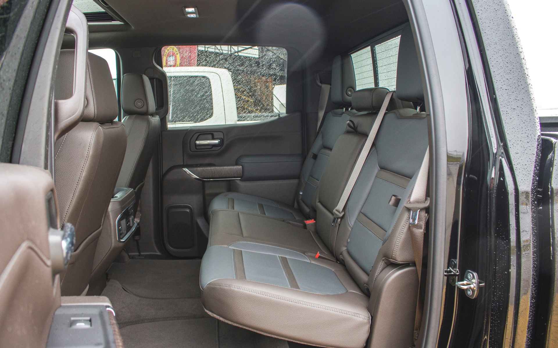 <p>GMC Sierra 1500 Denali 2019</p>