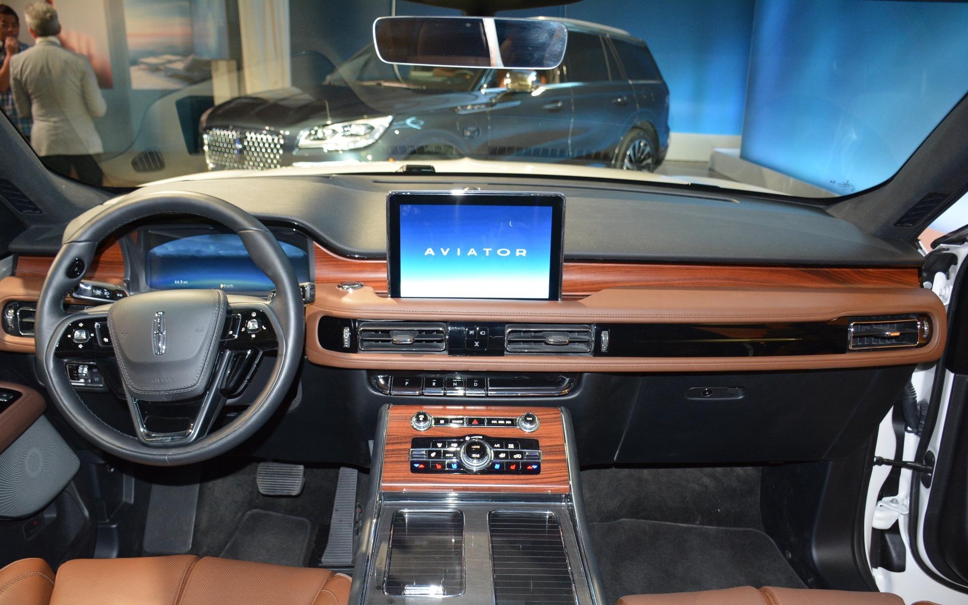 Le Lincoln Aviator 2020 fait son retour officiel à Los Angeles 358078_2020_Lincoln_Aviator