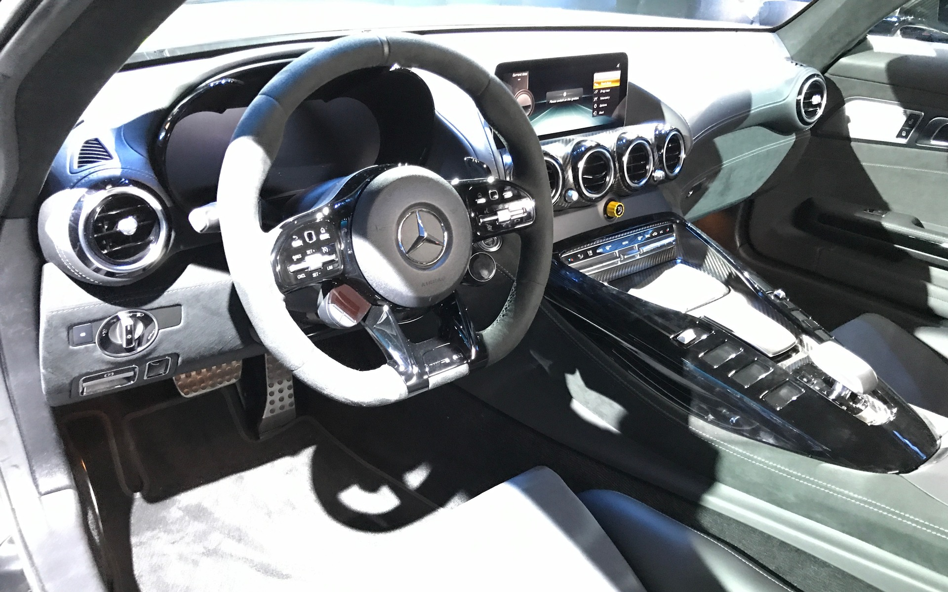 Une mise à jour pour la Mercedes-AMG GT 2020 358740_2020_Mercedes-Benz_AMG_GT