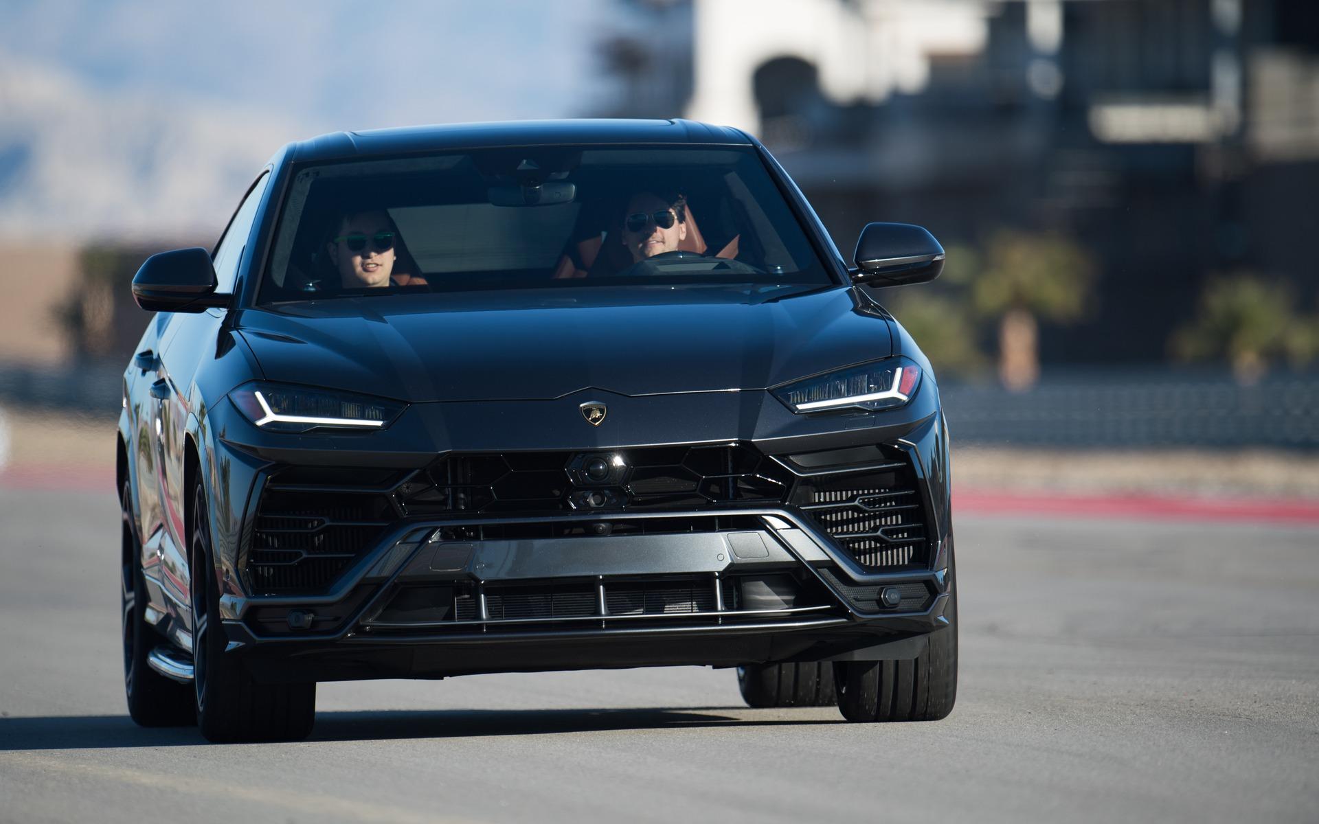 2019 Lamborghini Urus The Long Legged Bull 2 22
