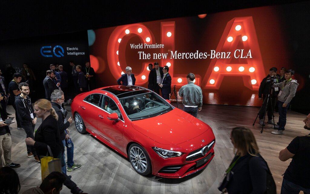 2020 mercedes benz cla world premiere at ces 2019 the. Black Bedroom Furniture Sets. Home Design Ideas