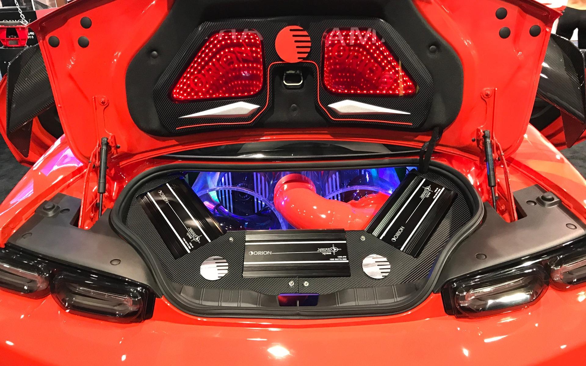 <p>Chevrolet Camaro (avec tout une chaîne audio!)</p>