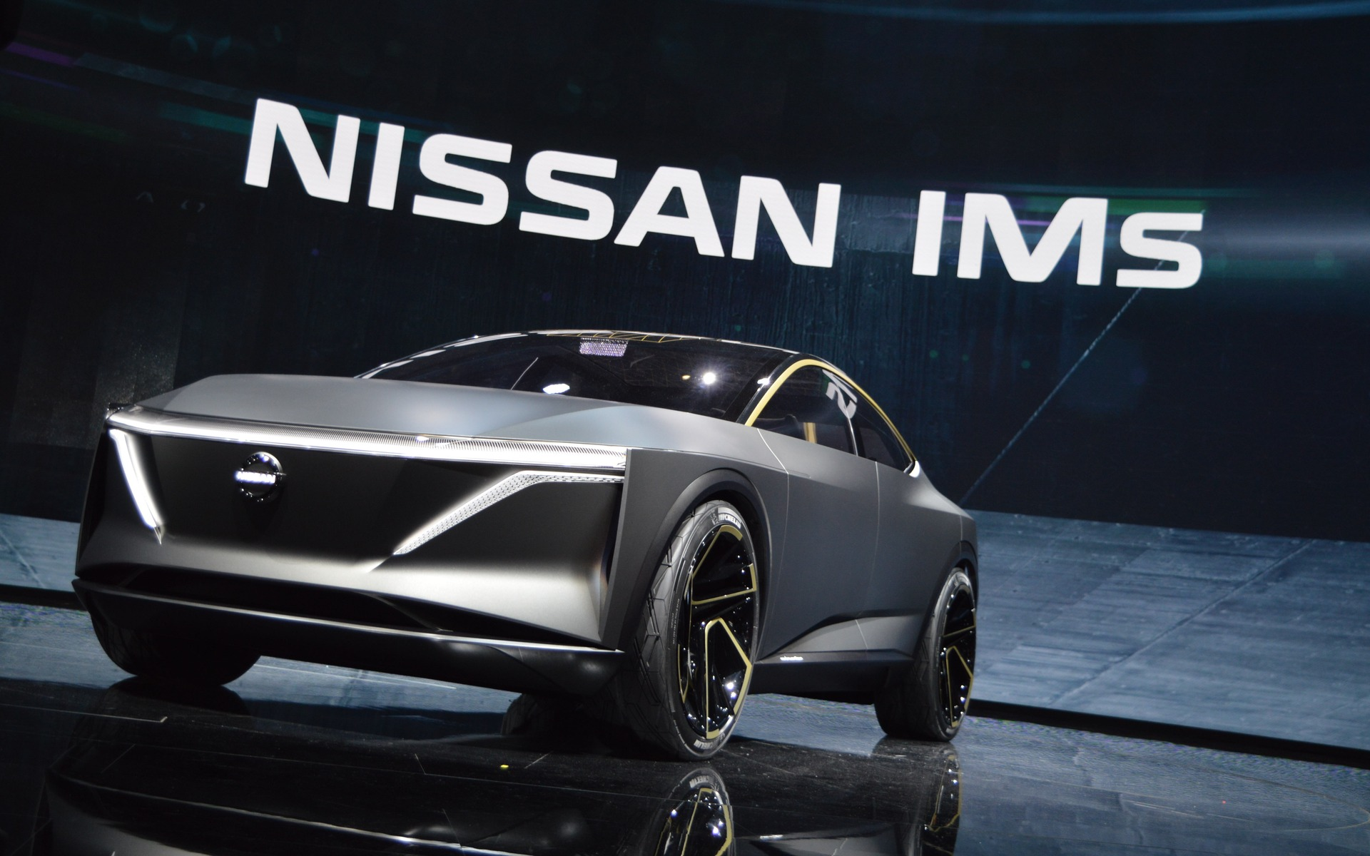 Nissan IMs Concept: a 483-Horsepower, Fully Electric Sedan - The Car