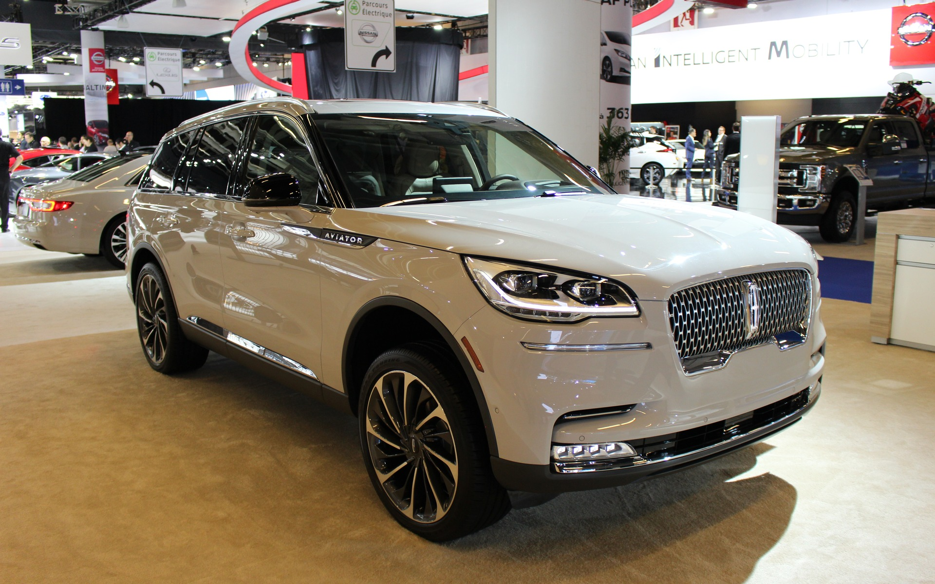 2020 Lincoln Aviator Unveiled At The Montreal Auto Show The Car Guide