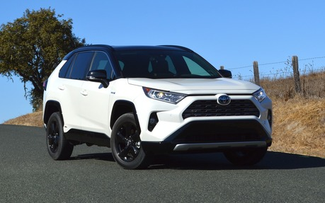 2019 Toyota Rav4 Hybrid Canadian Pricing Announced The Car Guide