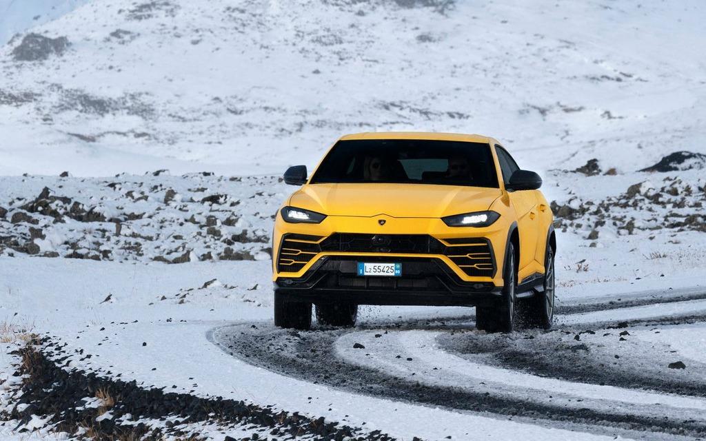<p>Lamborghini Urus 2019</p>