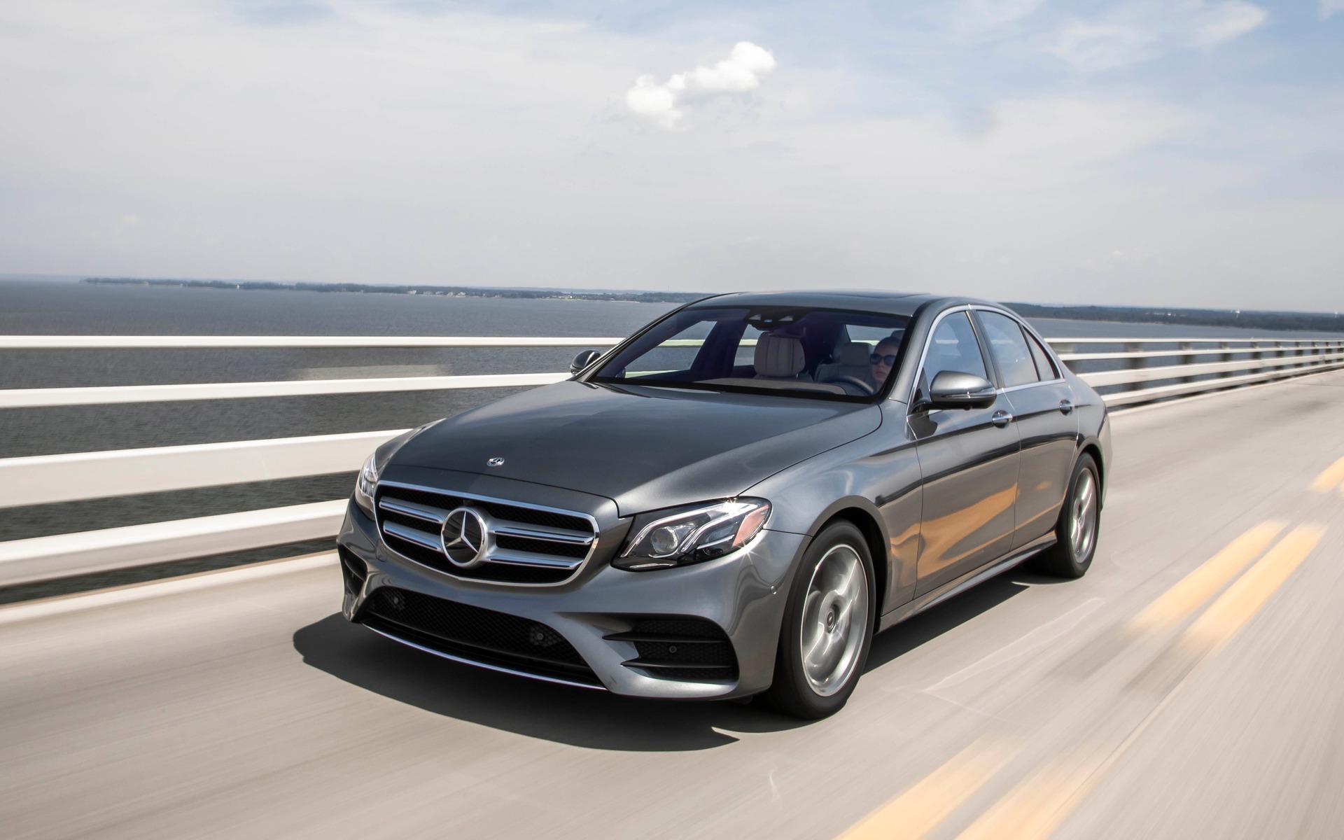 <p>Mercedes-Benz E 400</p>