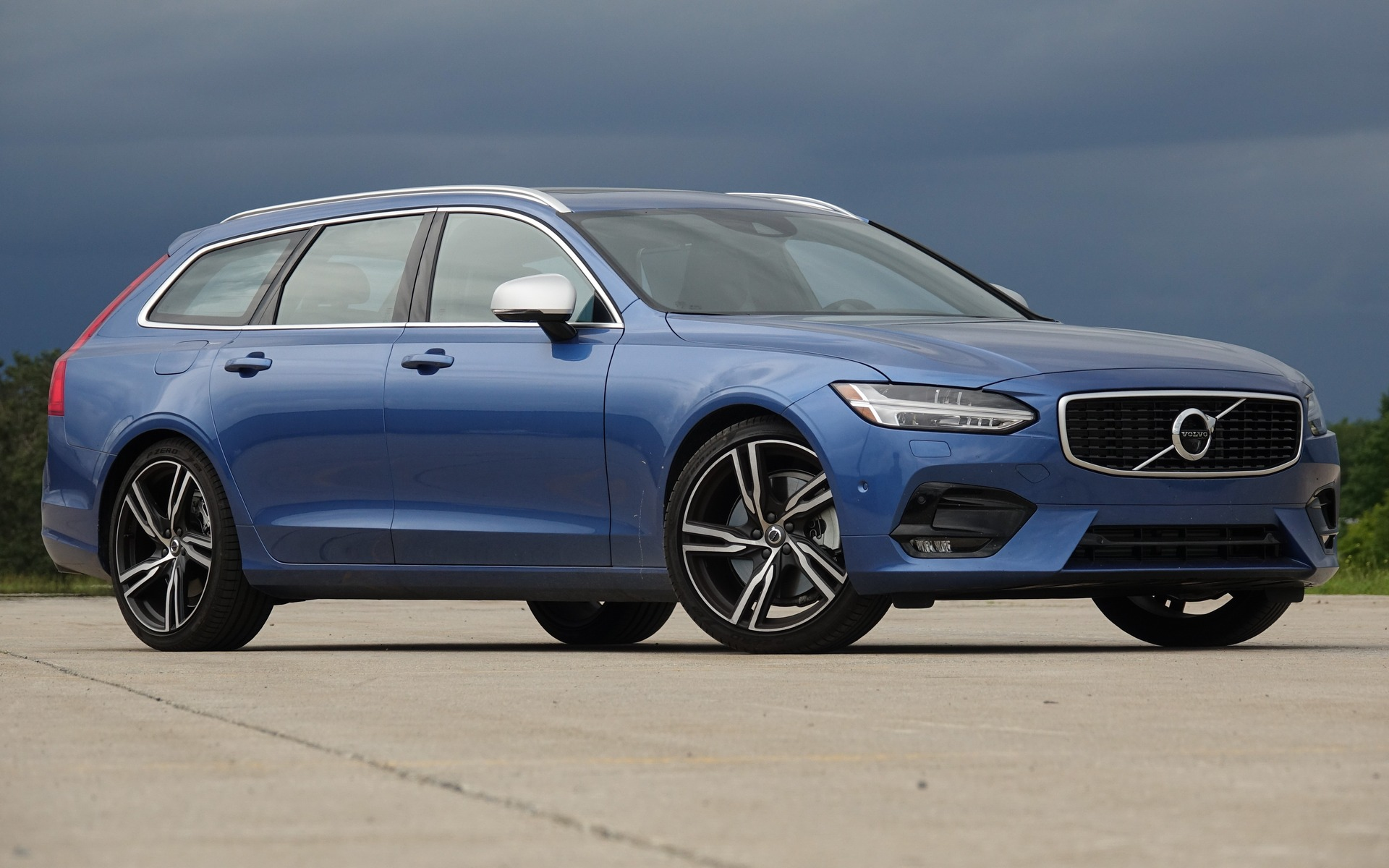 <p>Volvo V90 R-Design</p>