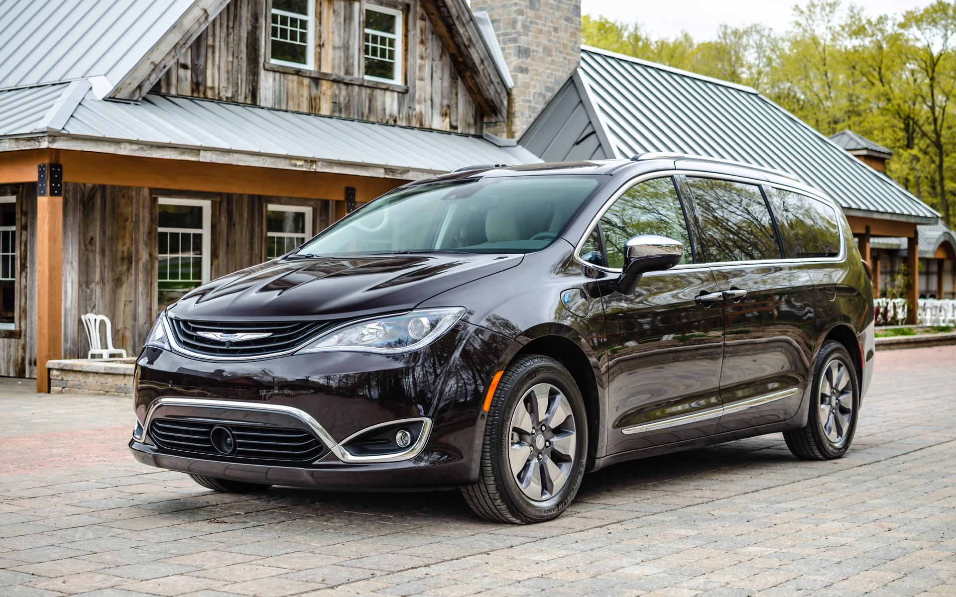 <p>Chrysler Pacifica Hybrid</p>