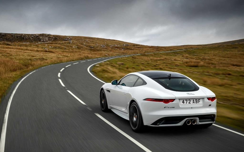 Jaguar présente la nouvelle F-TYPE Checkered Flag 2020 365765_2020_Jaguar_F-Type