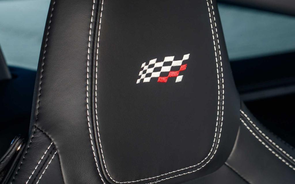 Jaguar présente la nouvelle F-TYPE Checkered Flag 2020 365769_2020_Jaguar_F-Type