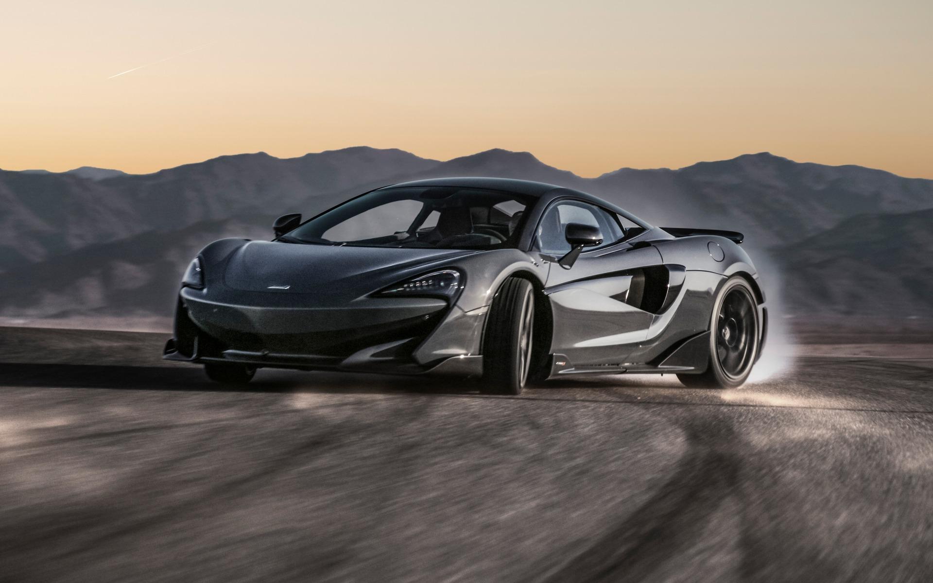 Fuir l'hiver en McLaren 720S Spider 365776_Fuir_l_hiver_en_McLaren_720S_Spider