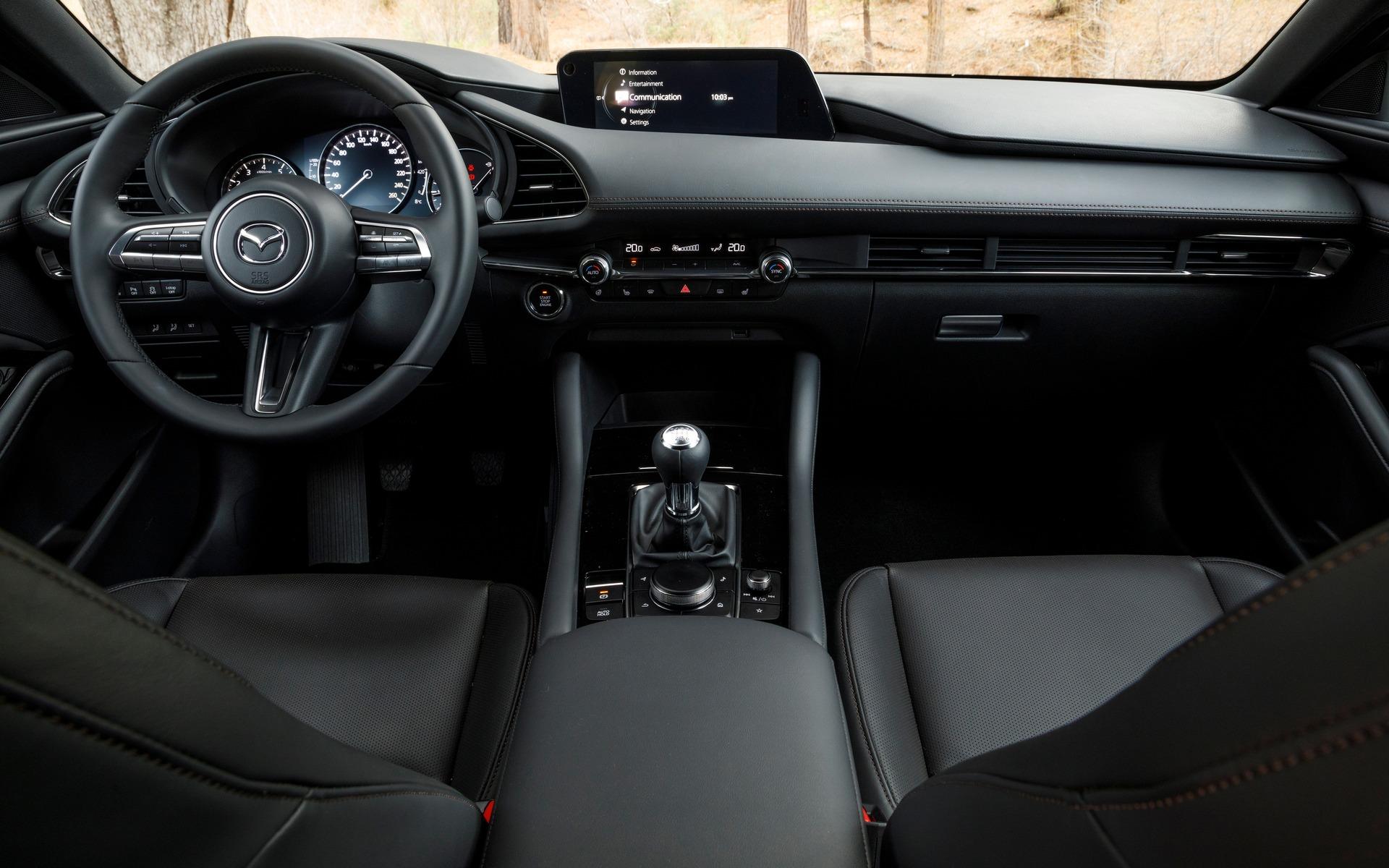 Mazda3 2019 : ce qu'il faut savoir également 365870_2019_Mazda_Mazda3