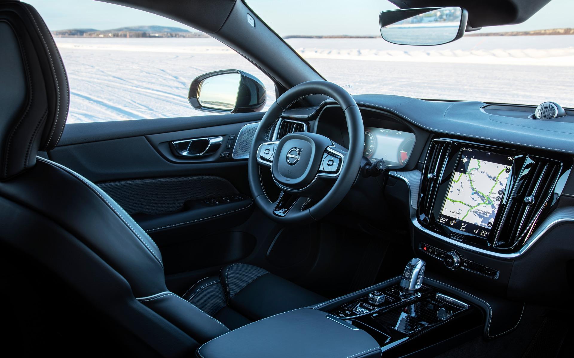 Volvo V60 2019 : on a conduit la seule voiture familiale hybride rechargeable 366019_2019_Volvo_V60