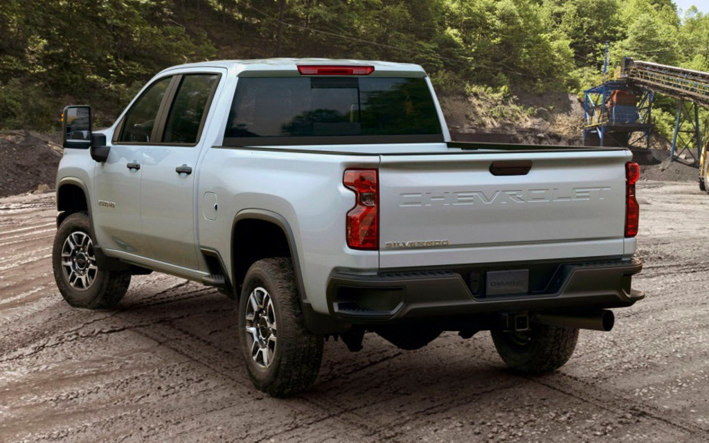Le Chevrolet Silverado HD 2020 sera encore plus fort que le GMC 366048_2020_Chevrolet_Silverado_2500_HD